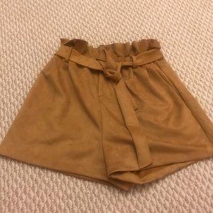 Aqua paperbag belted waist suede short size M